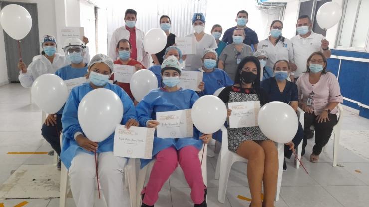 En acto conmemorativo fueron reconocidos profesionales de la salud