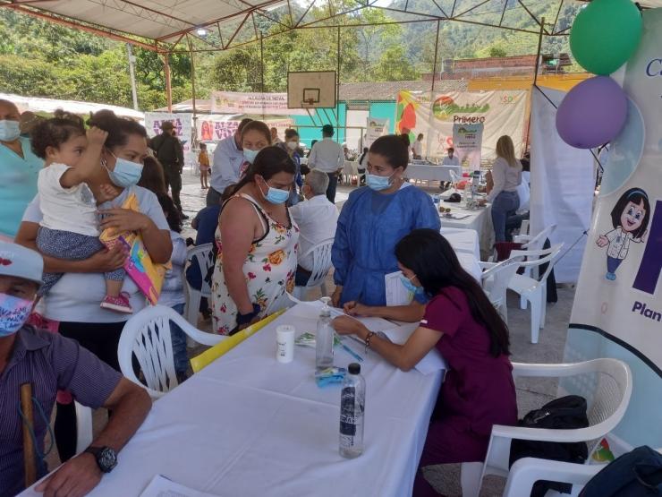 Exitosa brigada médica de la ESE Carmen Emilia Ospina en Vegalarga