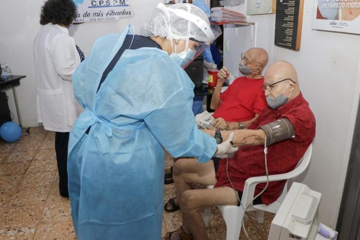 EPS de Neiva, deben agendar a las personas mayores de 70 años para la tercera dosis