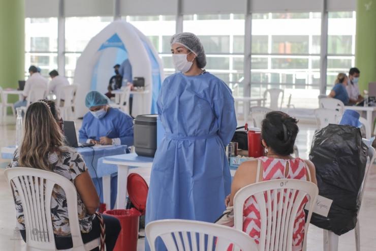 Neiva Inicia Vacunación Contra El Covid-19 Para Empleados De Farmacias