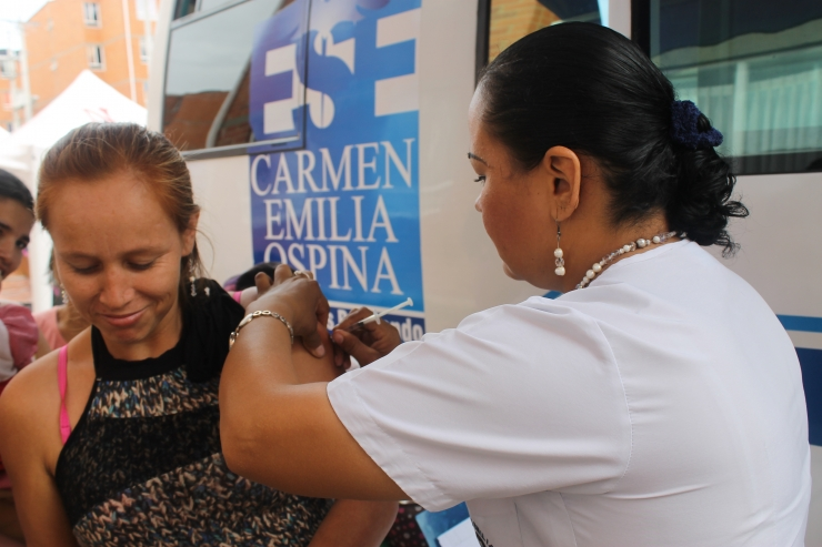 ESE Carmen Emilia Ospina apoyó brigada de salud en el barrio Cuarto Centenario de Neiva