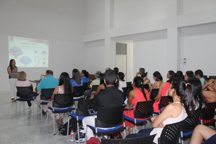 Estudiantes de enfermería exponen sus trabajos de campo realizados en las sedes de la ESE Carmen Emilia Ospina