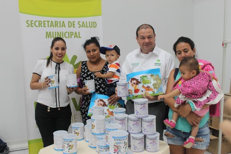 Niños, niñas y madres gestantes recibieron complementos nutricionales