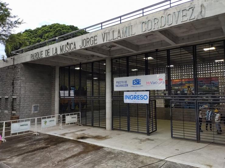 Alcaldía de Neiva y ESE Municipal, centralizan vacunación covid-19, en el parque de la música