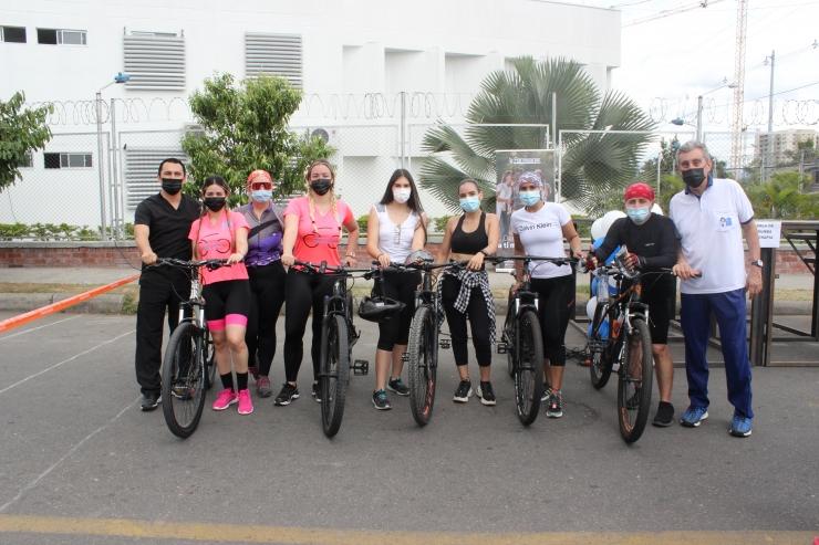 Funcionarios participaron en la actividad 'Muévete diferente, utiliza la bici'